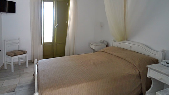 Artemis Hotel Rooms in Antiparos