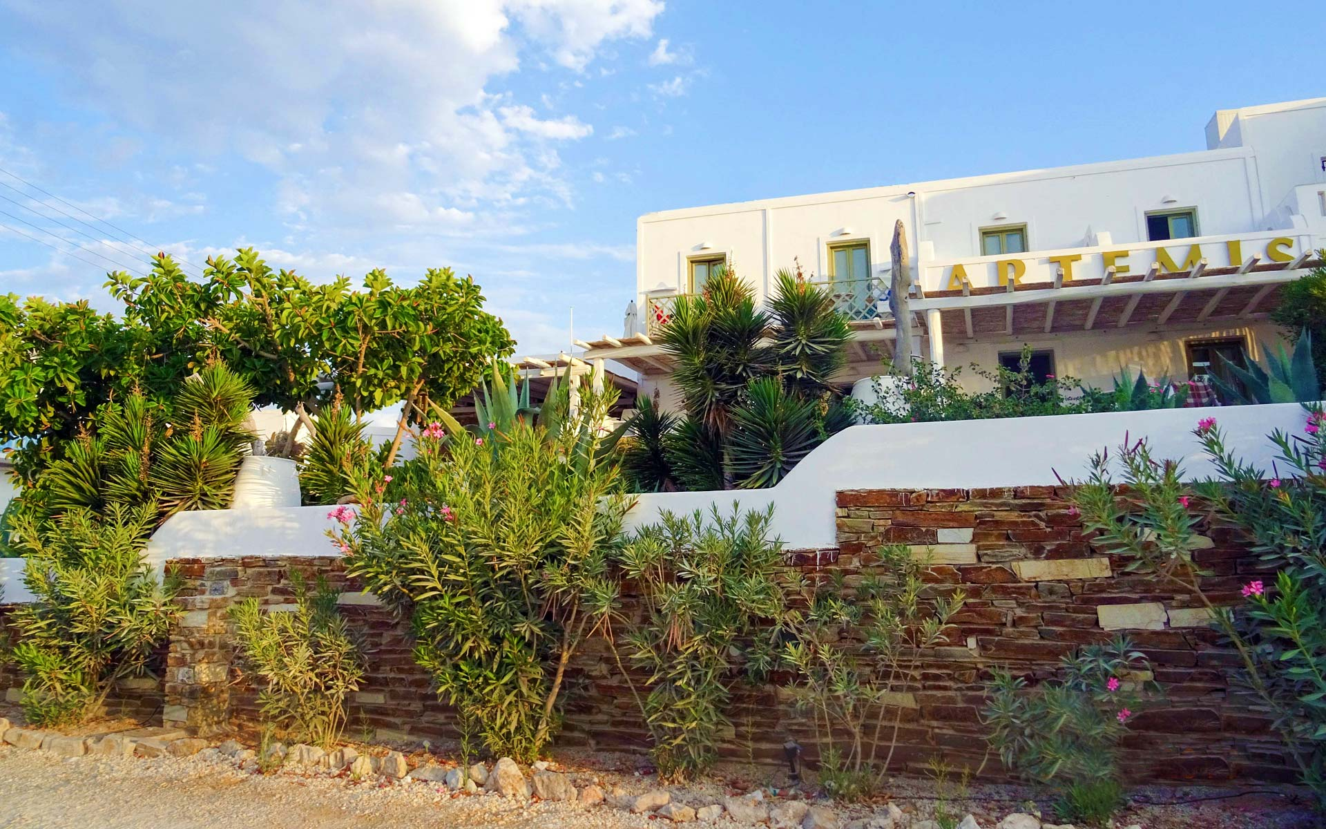 Artemis Hotel and Studios in Antiparos